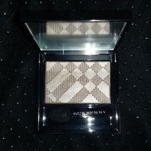Burberry wet and dry eyeshadow nude